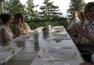 Anschliessend ging's fröhlich und mit hungrigen Bäuchen zu Tisch.