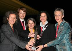"""Wir freuen uns über die Auszeichnung für das Projekt ESCOLA. Schön, dass wir """"Poststellen und Verkauf"""" bei der didaktischen Konzeption von ESCOLA begleiten durften!"""